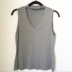 V-neck Sleeveless Pullover Style Gray Top